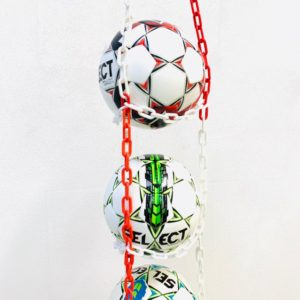 1 stk BallOnWall Hanger Fodboldholder til 4 fodbolde - Rød
